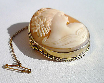 Beautiful  Art Deco Solid Silver Mounted Oval  Shell Lady Profile Cameo Brooch