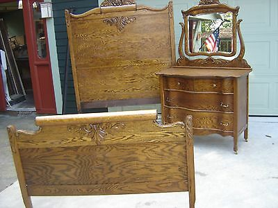 Antique 1/4 Sawn Oak Tall Oak Bed w/ Matching Dresser w/ applied Carving 8880
