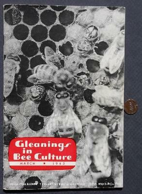 1943 Medina,Ohio Gleanings in Bee Culture Magazine-VINTAGE Bee Keeping Supplies!