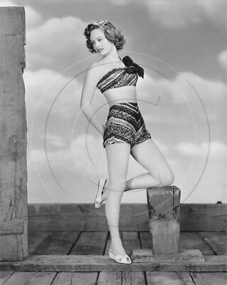 Alexis Smith   leggy in swimsuit   8x10 photo   cheesecake pinup
