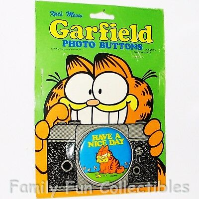 GARFIELD~1990s Kat's Meow Photo Button~Pin Back Tin Lapel~Cartoon Figure 5~NOC