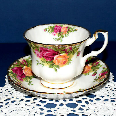 * Royal Albert England OLD COUNTRY ROSES  Cup & Saucer.