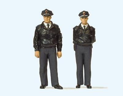 Preiser 63101 Standing police officers. Blue uniform. FRG. 1:32
