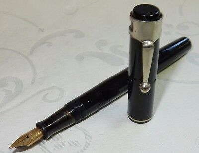 VINTAGE WATERMAN'S No 32 FOUNTAIN PEN - BLACK - 14K GOLD MED SMOOTH STUB NIB