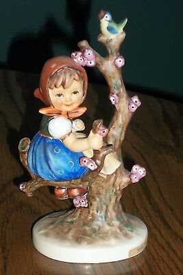 Vintage Goebel M.J. Hummel Apple Tree Girl Figurine TMK 5  141/1 Excellent