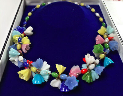 Vintage Jewellery Beautiful Art Deco Glass Flower Necklace