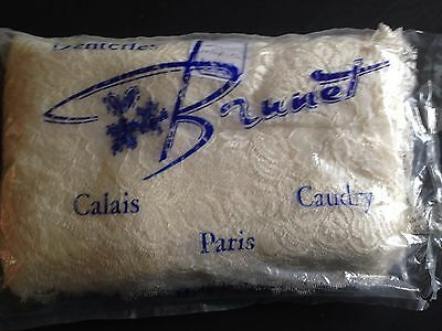 1 coupon Dentelle Ancienne de CALAIS - 5,50 m x 27cm Antique French Lace Naturel