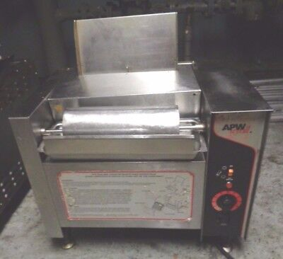 APW Wyott M-2000 Conveyor Bun Grill Toaster With Butter Wheel and Pan