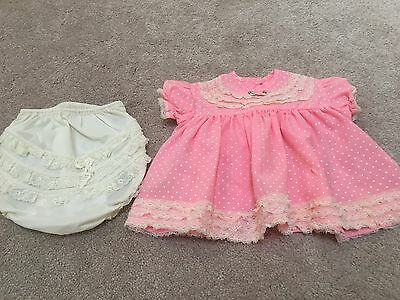 Vintage baby outfit - no size tag looks like 3 mo.