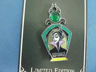 MALEFICENT  Disney Pin 2017 ESSENCE Of EVIL  Limited edition NEW on card REVENGE