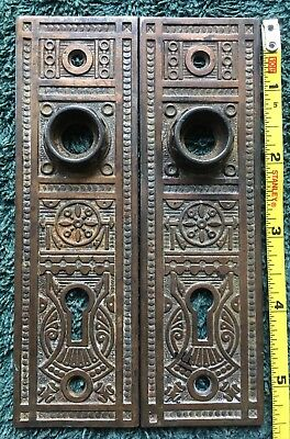 (2) Two CAST IRON Antique VTG FANCY Door Knob Doorknob Back Plate VICTORIAN
