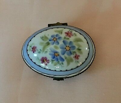 LIMOGES FRANCE Decoree a la main EGG w/  FLOWERS  Trinket Hinged Box