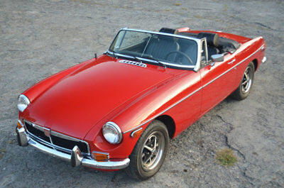 1974 MG MGB REFURBISHED SOUTHERN CALIFORNIA MGB with OVERDRIVE TUNNING RED SOUTHERN CALIFORNIA CHROME BUMPER MGB ROADSTER WITH OVERDRIVE