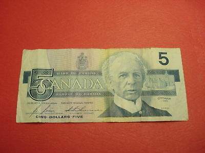 1986 - Canadian $5 bank note - five dollar Canada bill - HPZ0445635