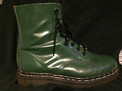 Vintage Tredair Foam Injected Boots U.K 7 U.S. M 8 (Made In England) Ships Free
