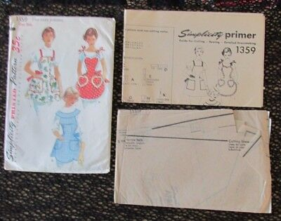 Vintage SIMPLICITY SEWING PATTERN 3 Views APRON Full Body UNCUT One Size VG