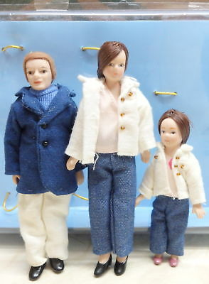 Dolls House Modern Family of 3 1:12 Scale Porcelain