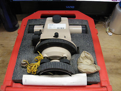 REALIST DAVID WHITE LT8-300 UNIVERSAL OPTICAL SIGHT LEVEL TRANSIT wMANUAL & CASE