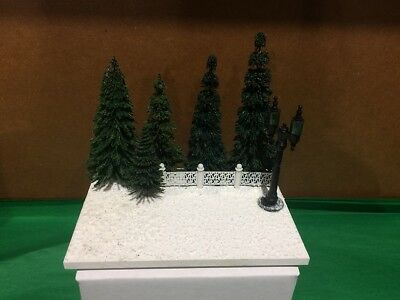 Scenic Mouse Winter Trees with Lamp Display Base for Wee Forest Folk