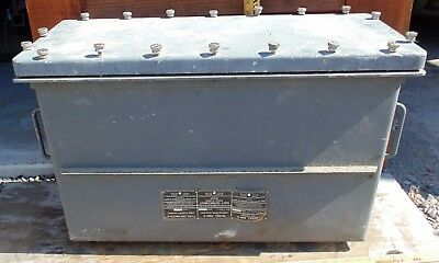 Vintage Type Cay-46078-A Navy Radio Container  Model RBM-5