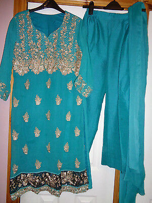 Green with Cream Embroidery Pattern Women Indian Outfit