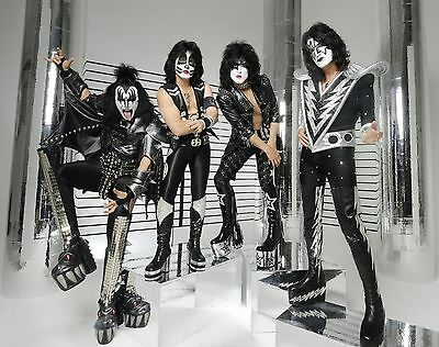 KISS Unsigned Gloss 8x10 Photo (5)