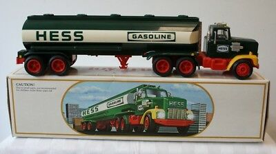 1984 Hess Toy Bank Truck Tanker in Box Hess Advertising Gas & Oil Lights Up