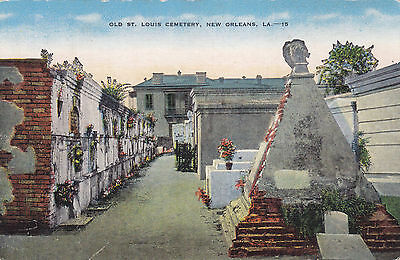 Old St. Louis Cemetary NEW ORLEANS Louisiana 1930-45 E.C. Kropp Postcard 15