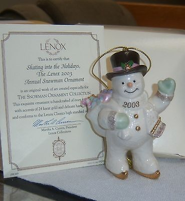 2003 LENOX XMAS TREE SNOWMAN ORNAMENT SKATING INTO THE HOLIDAYS Gold Accent NOS