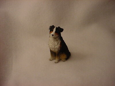 AUSTRALIAN SHEPHERD Tricolor puppy docked TiNY FIGURINE Dog MINIATURE Statue NEW