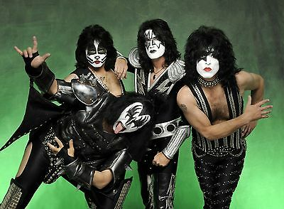 KISS Unsigned Gloss 8x12 Photo (1)