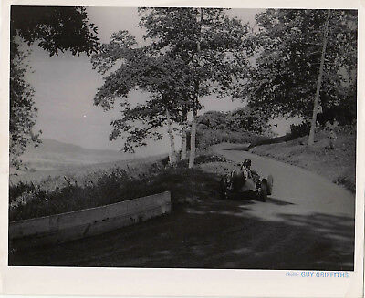 SINGLE SEATER RACING CAR No.6 ON HILL CLIMB PHOTOGRAPH BY GUY GRIFFITHS.