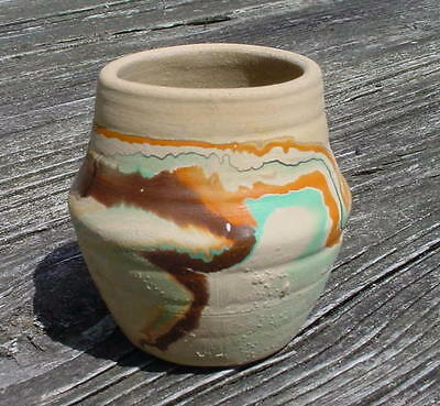 "Nemadji 1973 - 2 1/2"" Vase - Orange & Browns On Beige - Made In Usa   (3)"