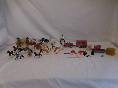 Breyer Mini Whinnies Adventure Vehicle Two Horse Trailer Jeep + Horses + Accesso