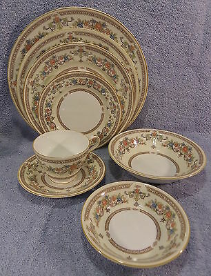Aynsley Devonshire 8-Pc Place Setting-Dinner Luncheon Salad B&B Plates Bowls C&S