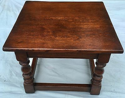 SOLID OAK Antique Style Coffee Occasional Table TV Lamp Stand 2ft x 2ft