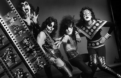 KISS Unsigned Gloss 8x12 Photo (6)