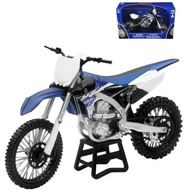 1:12 scale Yamaha YZ-450F Motorcycle Bike Diecast Replica by NewRay 57703