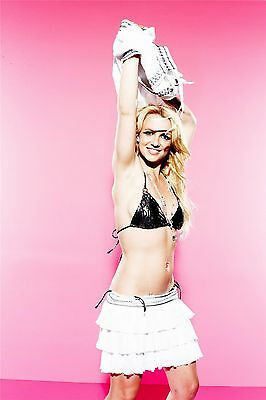 Britney Spears Unsigned 8x12 Photo (47)