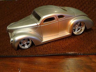 "Jada die cast FORD 1940 model 8 1/2"" long NM  NB  REDUCED"