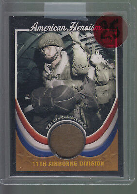 2009 Topps American Heritage Collection Heroism World War II Paratrooper Uniform