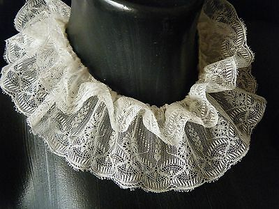 Antique RUFFS NECK COLLAR H.made French Victorian 19c Chantilly lace fern design