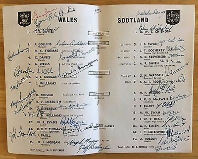 RUGBY UNION WALES V SCOTLAND PROGRAMME 1st February 1958 FULLY SIGNED VG PLUS
