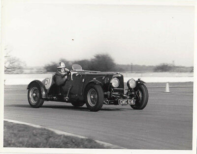 ASTON MARTIN CAR 51, REG No.CMC 614 PERIOD PHOTOGRAPH BY GUY GRIFFITHS.