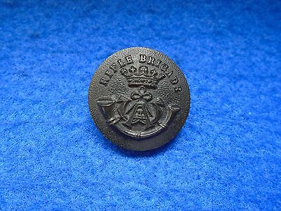 1 X 1881-1928 Rifle Brigade 23.5Mm Black Composition Button, Jas Grove & Sons