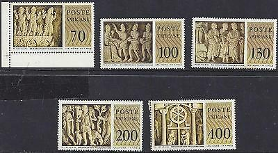 1977 Vatican Set of 5 stamps - Sculptures MNH