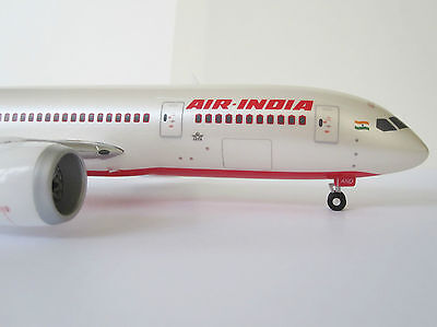 Boeing 787-8 Air India Dreamliner 1/200 Herpa 555388 Indian 787 vt-and Airline