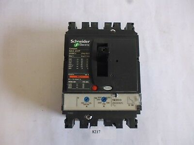 LV431403 / TM250D Schneider Electric Disjoncteur tripolaire three pole circuit
