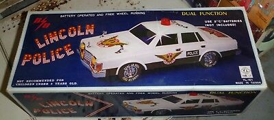 Vintage Yung Lo Lincoln Versailles? Police Car Battery Operated