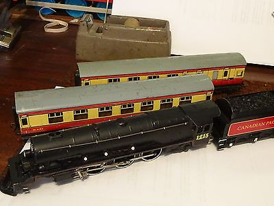 Hornby Dublo Canadian Pacific passenger set  renovated engine exc reduced